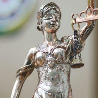 Promena Ustava: prekrajanje pravosuđa po meri vlasti