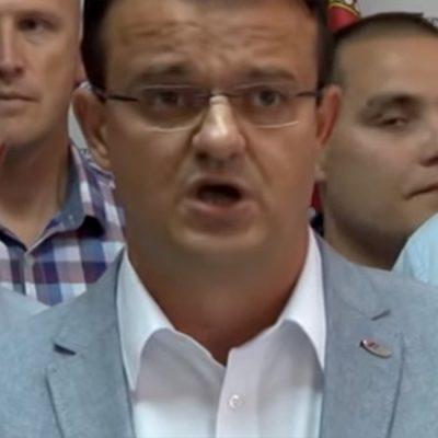 Dilatacija naprednjačkog kosmosa: Kosovo je izdala opozicija