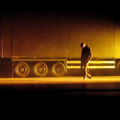 Svi živimo u prevrnutom kamionu