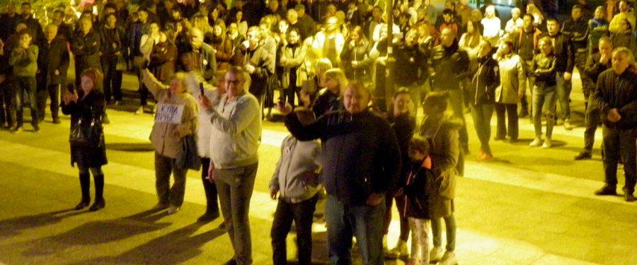 Šesti protest u Kovinu: Vladavina egomanijaka i ratnog huškača